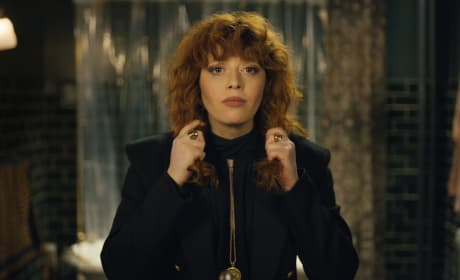 Natasha Lyonne Can't Stop Dying in Russian Doll Trailer