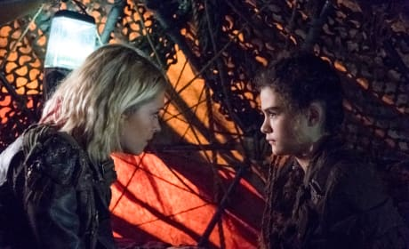 Clarke and Madi  - The 100 Season 5 Episode 6