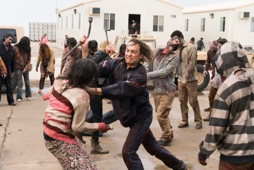Escape route - Fear the Walking Dead Season 3 Episode 1
