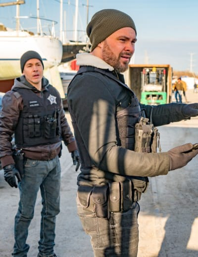 Have You Seen This Guy? - Chicago PD Season 6 Episode 21