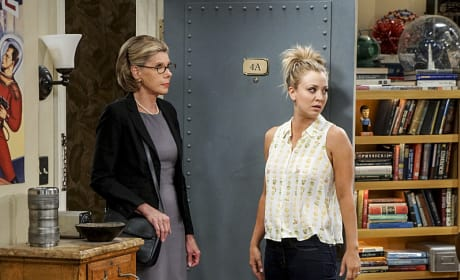 Penny Doesn't Look Thrilled - The Big Bang Theory Season 10 Episode 1