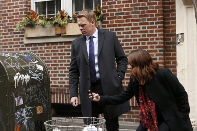 Liz and Ressler like mailboxes - The Blacklist Season 4 Episode 14