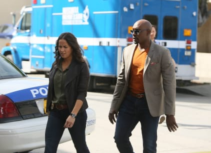 Watch Rosewood Season 1 Episode 19 Online
