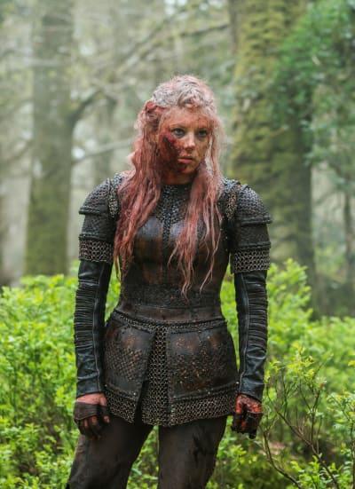 Bloody Lagertha Standing - Vikings Season 5 Episode 19