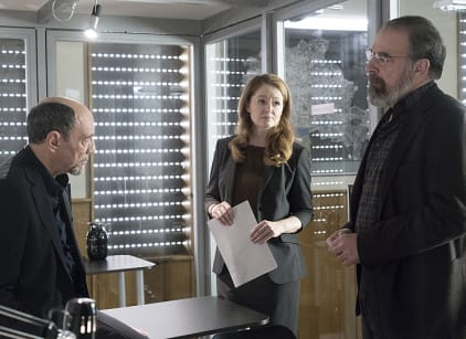 Watch Homeland Season 5 Episode 10 Online