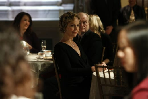 Isabella relaxes at dinner - The Blacklist Season 4 Episode 13