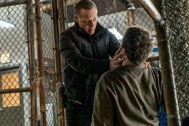 Halstead Goes Undercover - Chicago PD