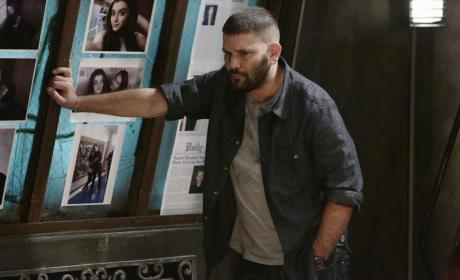 Huck Looks Tired - Scandal Season 4 Episode 11