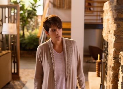 Watch Extant Season 1 Episode 2 Online