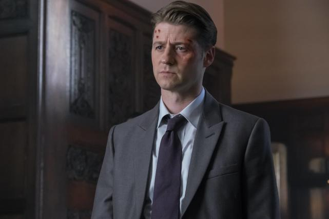 Pained - Gotham Season 3 Episode 11