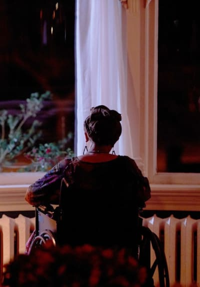 Aunt Ruby Looks Out the Window - SurrealEstate Season 1 Episode 9