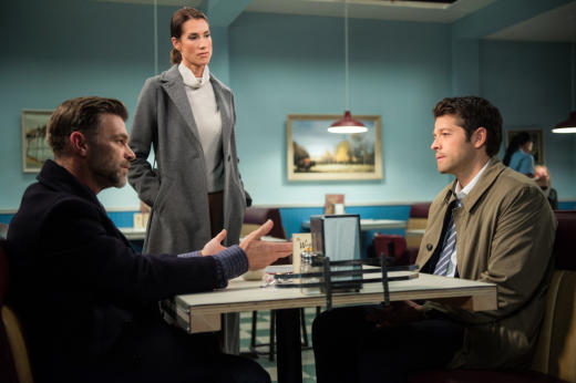 Castiel gets a one-on-one meeting - Supernatural Season 12 Episode 10