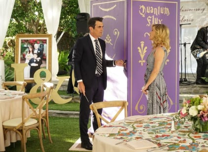Watch Modern Family Season 9 Episode 6 Online