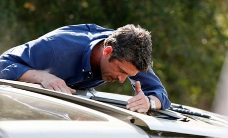 Derek on the Scene - Grey's Anatomy Season 11 Episode 21