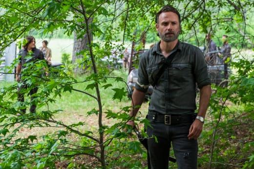 Scouting The Area - The Walking Dead Season 8 Episode 1