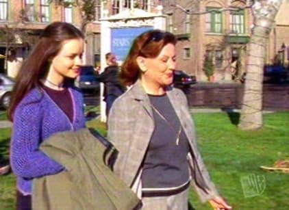 Watch Gilmore Girls Season 1 Episode 19 Online