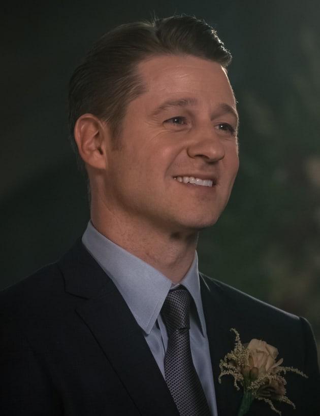 Jim Takes a Wife - Gotham Season 5 Episode 9