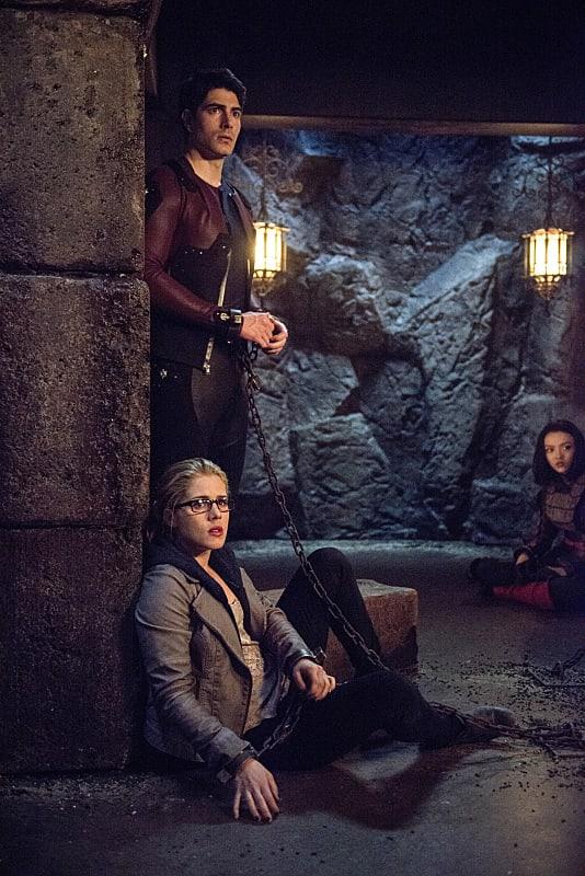 Tied Up - Arrow Season 3 Episode 22
