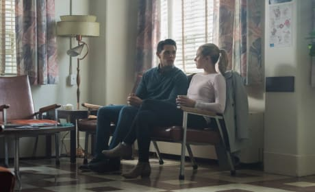 The Waiting Game - Riverdale Season 2 Episode 1