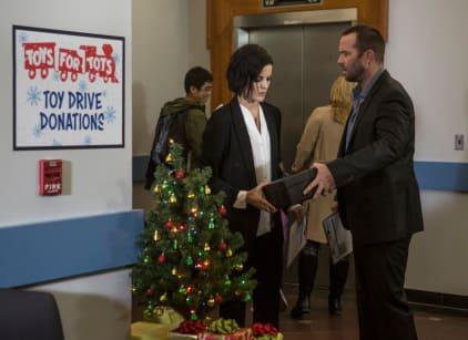 Watch Blindspot Season 3 Episode 7 Online