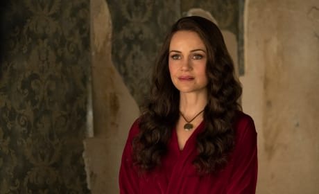 Mother Olivia - The Haunting of Hill House Season 1 Episode 5