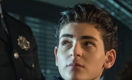 Bruce in Love - Gotham Season 5 Episode 9