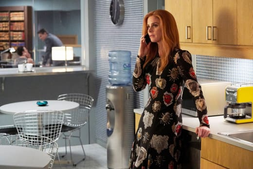 Calling In a Favor - Suits Season 8 Episode 5