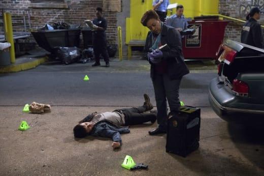 Examining the Body - NCIS: New Orleans Season 3 Episode 20