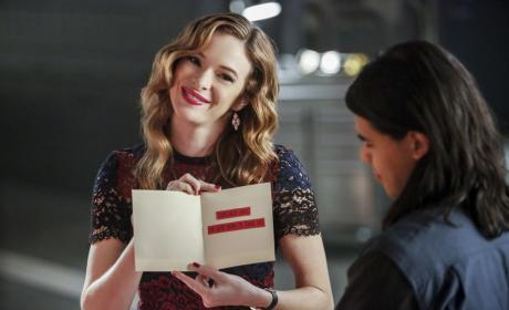 Hallmark Holiday - The Flash Season 3 Episode 14