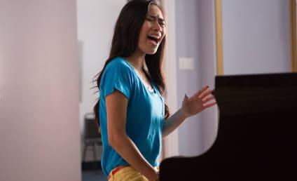 Jessica Sanchez on Glee: First Look!