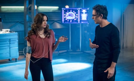 Finding the Frost - The Flash Season 4 Episode 20