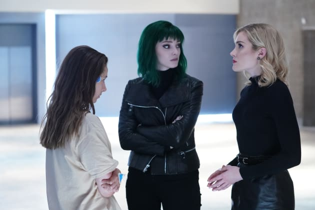 Hellfire and their New Guest - The Gifted Season 2 Episode 5