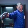 Raise that Barrel - The Flash Season 2 Episode 3