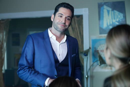 Chloe Saves the Day - Lucifer Season 2 Episode 14