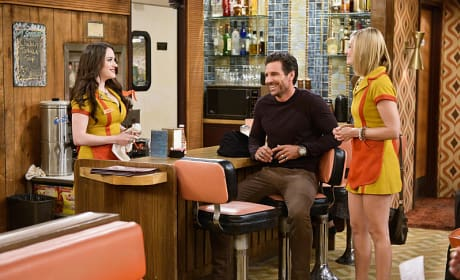 Off Course - 2 Broke Girls