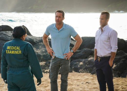 Murder In An Underwater Lab - Hawaii Five-0
