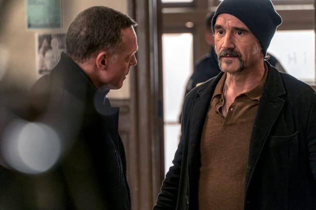 Olinsky Returns - Chicago PD Season 4 Episode 17