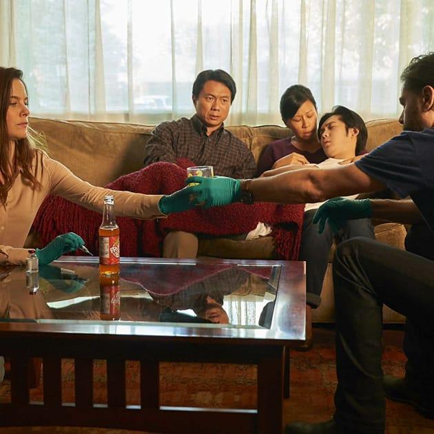 Saying Goodbye - Mary Kills People Season 2 Episode 4