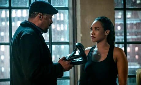 Joe Teaches Iris - The Flash Season 5 Episode 15