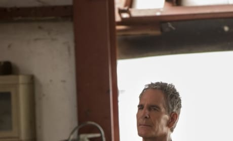 At the Crossroads - NCIS: New Orleans Season 5 Episode 2