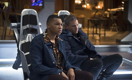 Jax and Cold - DC's Legends of Tomorrow Season 1 Episode 2