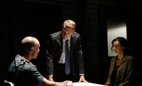 Ressler and Samar keep interrogating a suspect - The Blacklist Season 4 Episode 8