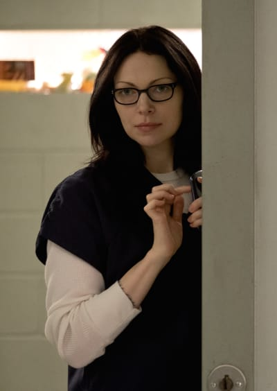Lurking with a Phone - Orange is the New Black