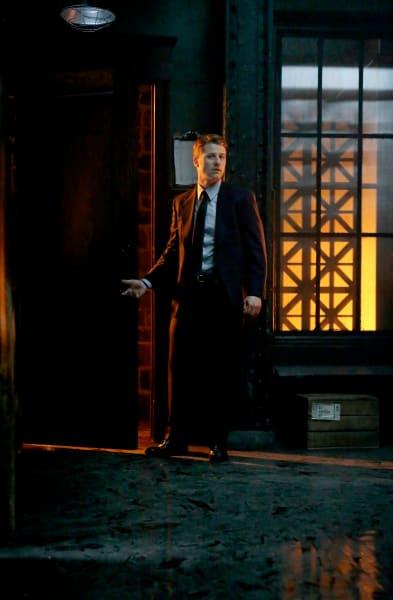 Harbinger of Hope - Gotham Season 5 Episode 1
