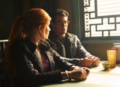 Watch Shadowhunters Season 1 Episode 5 Online