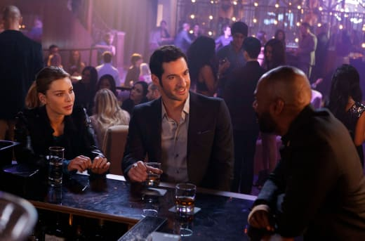 Have a drink, Padre - Lucifer Season 1 Episode 9