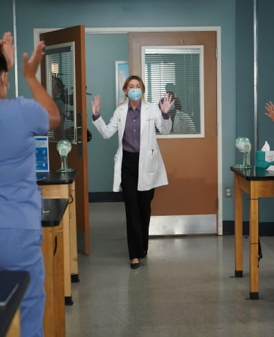 Welcoming Mer Back - tall - Grey's Anatomy Season 17 Episode 17