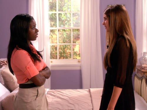 Amy Shares a Secret With Lauren