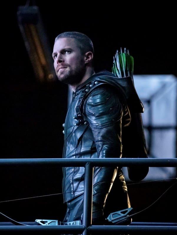 Oliver on the Move - Arrow Season 7 Episode 11