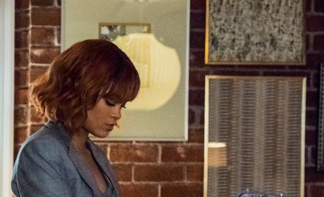 Marion Makes a Decision vertical - Bates Motel Season 5 Episode 5
